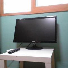 Fortune Hostel Jongno Стандартный семейный номер с двуспальной кроватью фото 4