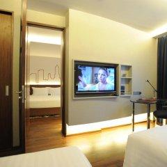 Отель Galleria 10 Sukhumvit Bangkok by Compass Hospitality 4* Стандартный номер с двуспальной кроватью фото 2