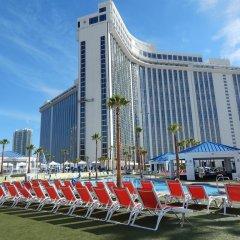Отель Westgate Las Vegas Resort & Casino США, Лас-Вегас - 11 отзывов об отеле, цены и фото номеров - забронировать отель Westgate Las Vegas Resort & Casino онлайн бассейн фото 2