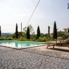 Отель Villa Le Casaline Сполето бассейн