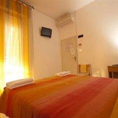Hotel Carmen Viserba Стандартный номер двуспальная кровать фото 6