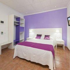 Отель Hostal Adelino Улучшенный номер с различными типами кроватей
