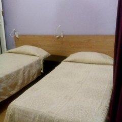 Отель Pensao Sao Joao da Praca 2* Стандартный номер с 2 отдельными кроватями (общая ванная комната) фото 5