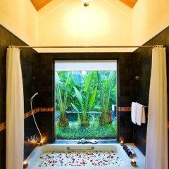 Отель Pilgrimage Village Hue 4* Улучшенный номер с различными типами кроватей фото 7