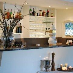 Отель Hostellerie Rozenhof Нидерланды, Неймеген - отзывы, цены и фото номеров - забронировать отель Hostellerie Rozenhof онлайн гостиничный бар