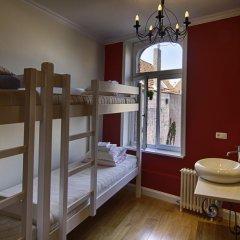 Hostel Lybeer Bruges Кровать в общем номере с двухъярусной кроватью фото 2