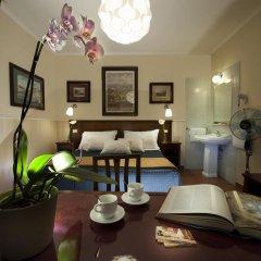 Отель Carlito Budget Rooms Стандартный номер с двуспальной кроватью (общая ванная комната)