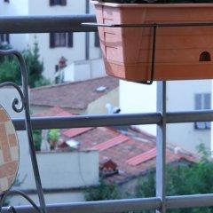 Отель B&B Silvia In Florence балкон