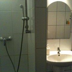 Апартаменты Caterina Private Rooms and Apartments Стандартный номер с различными типами кроватей (общая ванная комната) фото 24