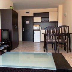 Апартаменты Menada Sunset Beach Apartment Солнечный берег в номере фото 2