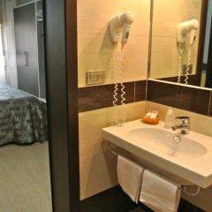Hotel Dei Mille 2* Улучшенный номер с двуспальной кроватью фото 2