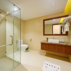 Vinh Hung 2 City Hotel 2* Улучшенный номер с различными типами кроватей фото 4