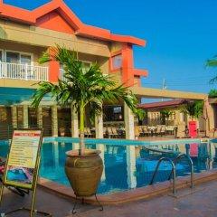 Отель Crismon Hotel Гана, Тема - отзывы, цены и фото номеров - забронировать отель Crismon Hotel онлайн бассейн фото 2