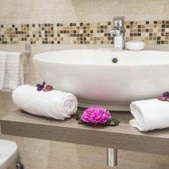 Отель Domus Trevi 3* Стандартный номер с различными типами кроватей фото 20