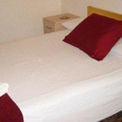 Отель Pension Picasso Барселона комната для гостей