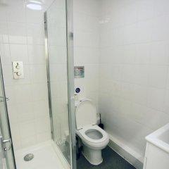 Отель Heathrow Hostel Великобритания, Лондон - 1 отзыв об отеле, цены и фото номеров - забронировать отель Heathrow Hostel онлайн ванная