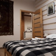 Отель Maryna House - Apartament Tradycyjny Закопане комната для гостей фото 3