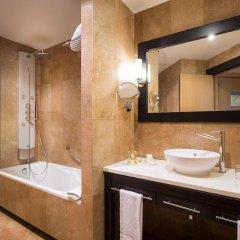 Отель Eurostars Monumental 4* Улучшенный номер с двуспальной кроватью фото 5
