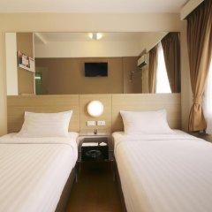 Отель Red Planet Davao 2* Стандартный номер с различными типами кроватей фото 4