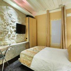 Hotel De Notre Dame Maître Albert 3* Стандартный номер с различными типами кроватей фото 3