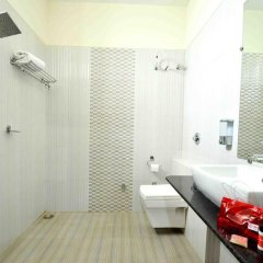 Отель OYO Premium Alankar Circle 3* Стандартный номер с различными типами кроватей фото 4