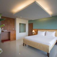 Отель Chanalai Flora Resort, Kata Beach 4* Улучшенный номер двуспальная кровать фото 4