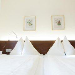 Отель Goldener Schlüssel 3* Стандартный номер с двуспальной кроватью фото 13