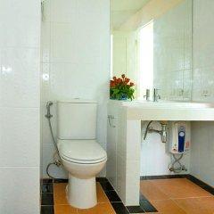 Отель Convenient Park Бангкок ванная фото 2
