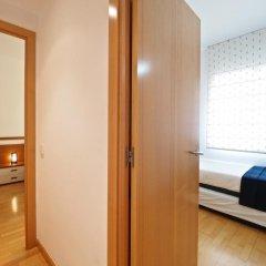 Отель Suites Barcelona Park Güell сейф в номере