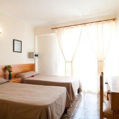 Отель Hostal Montesol Стандартный номер с различными типами кроватей фото 3