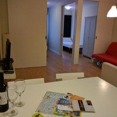 Апартаменты BarcelonaForRent Sagrada Familia Apartments Барселона комната для гостей фото 3