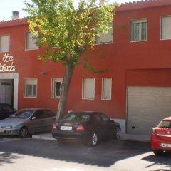 Отель Hostal Rica Posada парковка