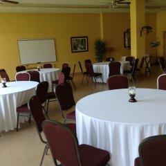 Отель Manoir dYouville фото 2