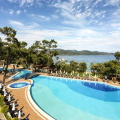 Отель Rixos Premium Bodrum - All Inclusive бассейн