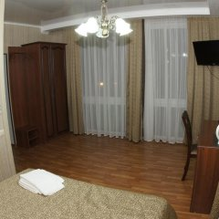 Mini-Hotel Tri Art Стандартный семейный номер с двуспальной кроватью фото 10