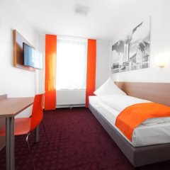 McDreams Hotel Leipzig 2* Номер категории Эконом с различными типами кроватей фото 10