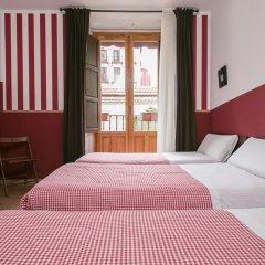 Отель Hostal La Casa de La Plaza Стандартный номер с различными типами кроватей фото 9