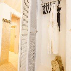 Отель Bom Bom Principe Island 4* Бунгало с различными типами кроватей фото 21