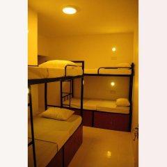 Hostel at Galle Face- Colombo Кровать в общем номере с двухъярусной кроватью фото 2