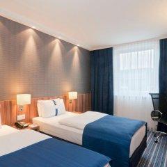 Отель Holiday Inn Express Dusseldorf - City 3* Стандартный семейный номер с двуспальной кроватью фото 2