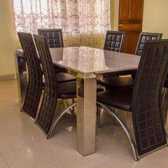 Отель Malbert Inn Guest House Гана, Аккра - отзывы, цены и фото номеров - забронировать отель Malbert Inn Guest House онлайн питание фото 2