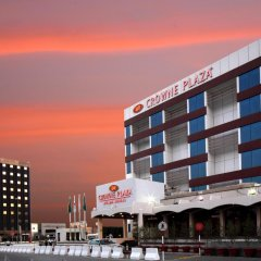 Отель Crowne Plaza Riyadh Minhal Саудовская Аравия, Эр-Рияд - отзывы, цены и фото номеров - забронировать отель Crowne Plaza Riyadh Minhal онлайн вид на фасад фото 3