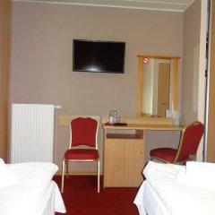 Hotel Atlantis 2* Стандартный номер с 2 отдельными кроватями фото 11
