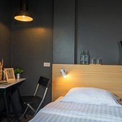 Отель Srisuksant Square Стандартный номер с двуспальной кроватью