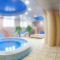 Отель Золотой Дракон Кыргызстан, Бишкек - 9 отзывов об отеле, цены и фото номеров - забронировать отель Золотой Дракон онлайн бассейн