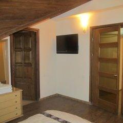 2x2 Cinema-Bar Hotel & Tours Люкс с различными типами кроватей