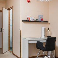 Отель Hotell Fridhemsgatan 3* Стандартный семейный номер с различными типами кроватей фото 13