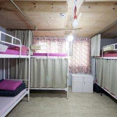 Lazy Fox Hostel Кровать в общем номере с двухъярусной кроватью