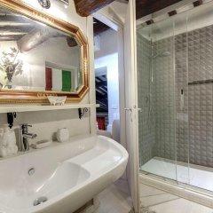 Отель LM Suite Spagna 3* Стандартный номер с двуспальной кроватью фото 8