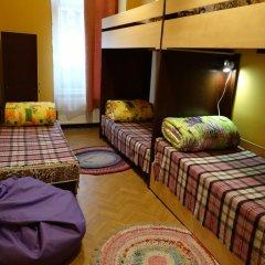 Happy Hostel Кровать в общем номере с двухъярусной кроватью фото 5
